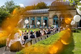 Orangerie Elswout met een buiten bruiloft feestmaaltijd